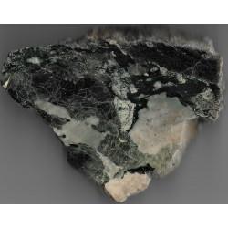 Okaz polerowany wyjątkowej skały piroksenowo-plagioklazowej