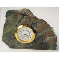 Zegar w zieleńcu z okolic Bolkowa